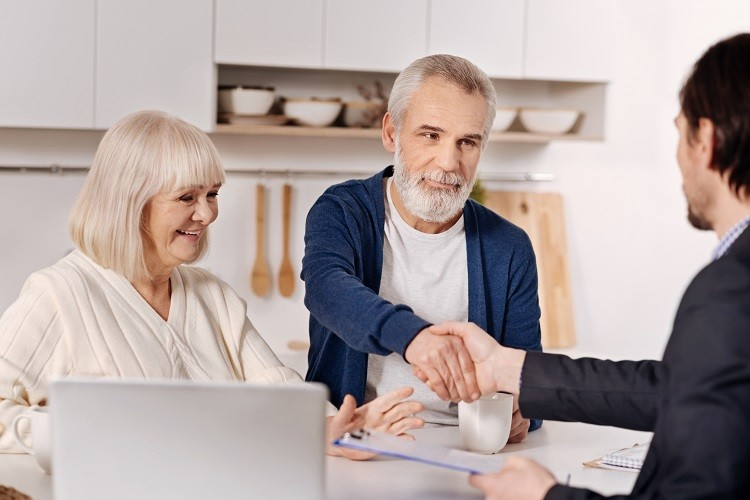 Gdzie po chwilówkę lub pożyczkę ratalną dla emeryta lub rencisty?