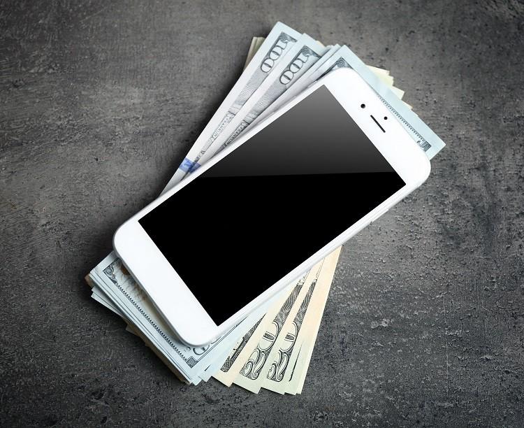 Pożyczki na telefon. W jakiej firmie i czy to się opłaca?