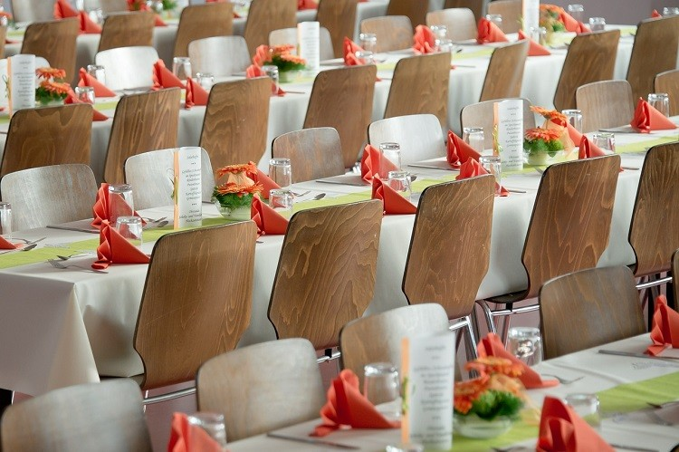 Gdzie zorganizować wesele – restauracja, hotel czy dom przyjęć?