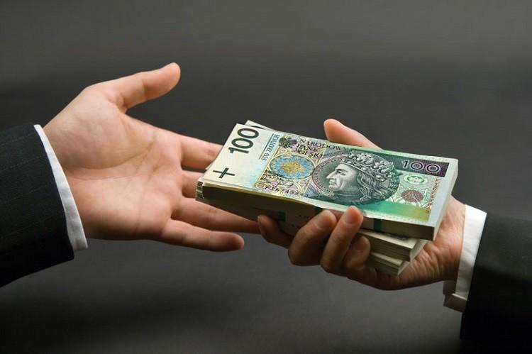 Czy opłaca się teraz brać kredyt gotówkowy?