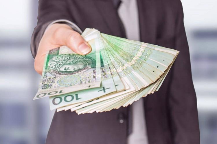 Czy kredyt gotówkowy można przeznaczyć na spłatę innego?