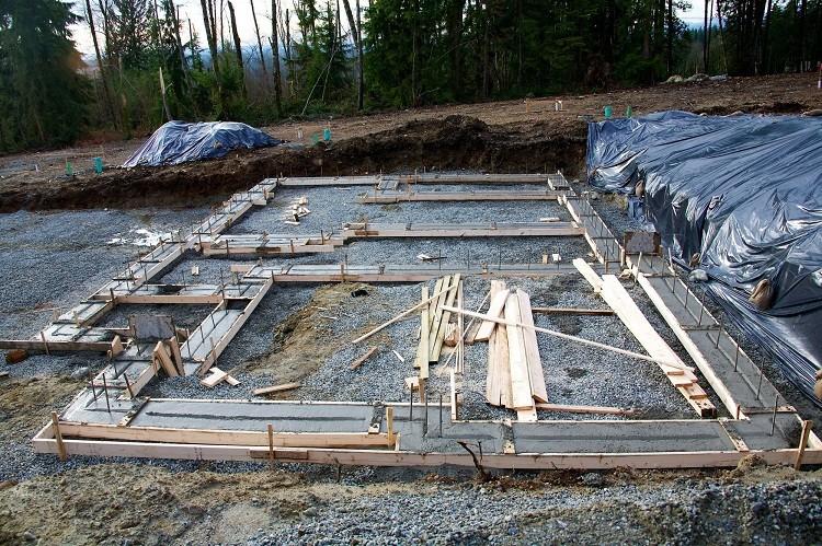 Co powinieneś wiedzieć o płytach fundamentowych zanim zaczniesz budowę
