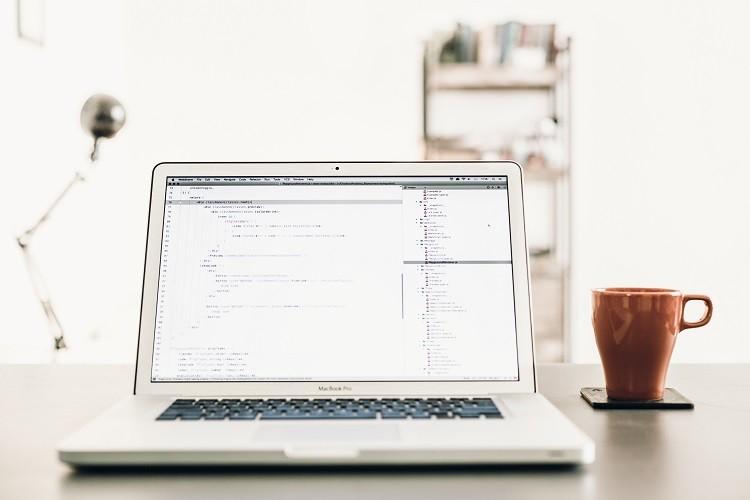 Pozycjonowanie strony www – samodzielnie czy z pomocą specjalisty?