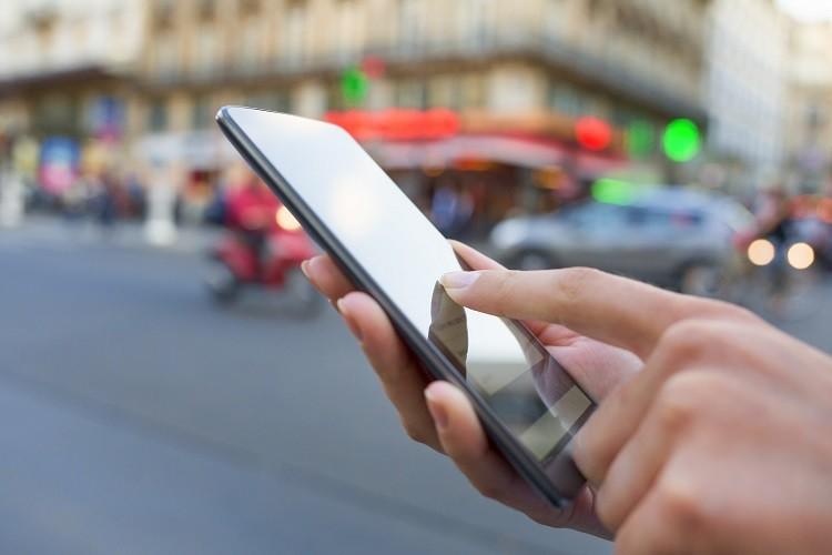 Ubezpieczenia mobilne w natarciu: w jaki sposób rozwija się ta branża?