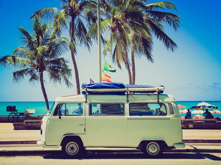 Wypożyczenie samochodu na podróż za granicę – co warto wiedzieć?