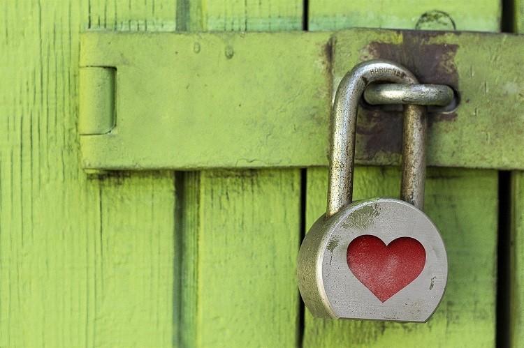 Kłódki – nietuzinkowy dowód miłości. Jaką wybrać?