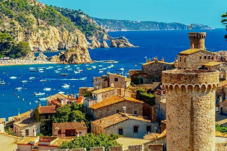 Hiszpania czy Portugalia - gdzie polecieć na wakacje?