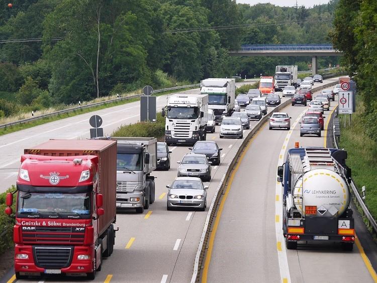 Planowanie i optymalizacja logistyki z monitoringiem GPS pojazdów