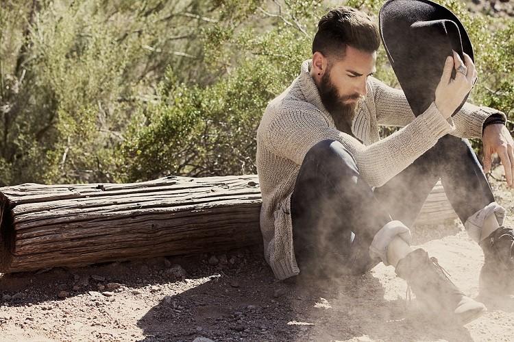 Jakie swetry powinien mieć w swojej szafie każdy mężczyzna?