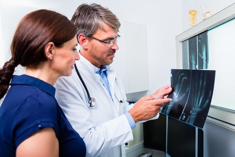 Ortopeda - czym się zajmuje i kiedy musisz się do niego zapisać?