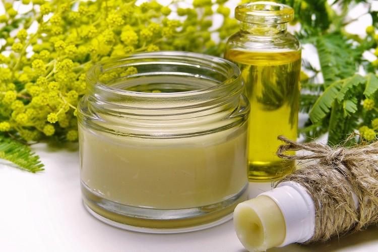 Kosmetyki z naturalnymi olejami - bestsellerowe produkty w branży kosmetycznej