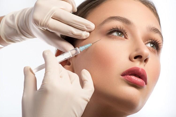 Poznaj moc kwasów – co zawierają nasze kosmetyki?