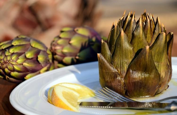 Owoce camu camu i karczoch – poznaj ich lecznicze właściwości