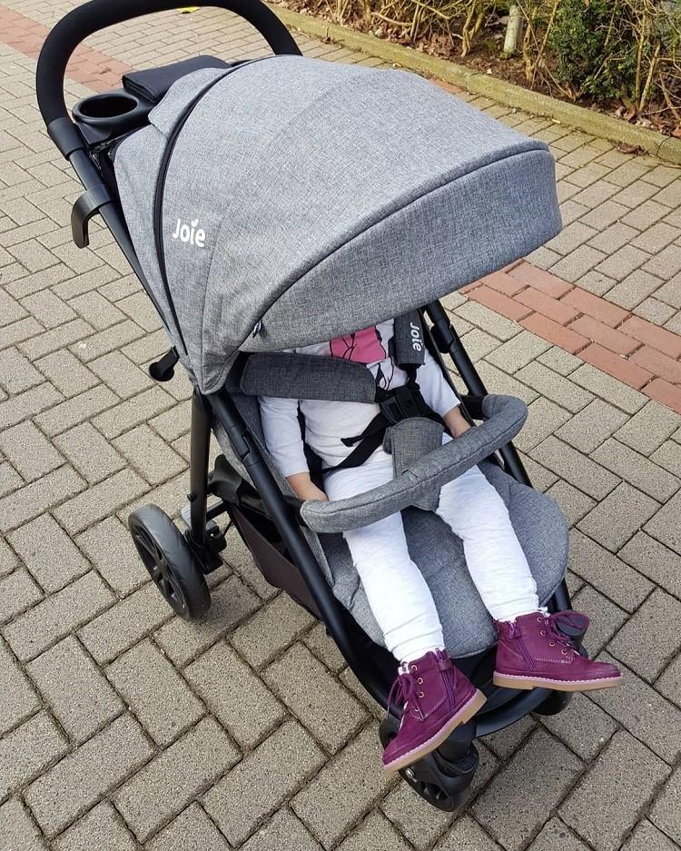 Jak wybrać najodpowiedniejszy wózek spacerowy?