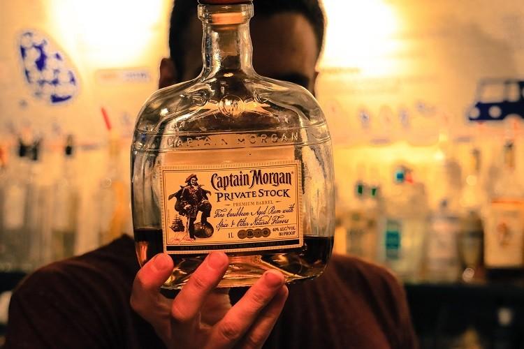 Rum Captain Morgan – dlaczego kojarzymy go z piratami?