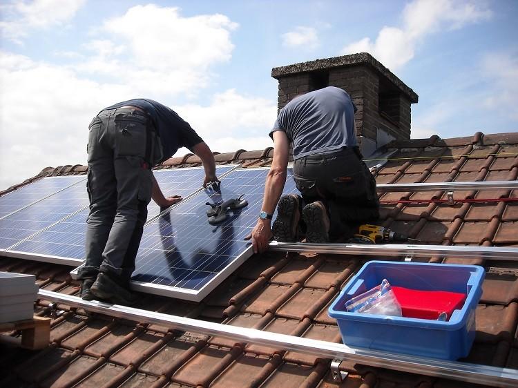 Panele słoneczne odciążą twój budżet