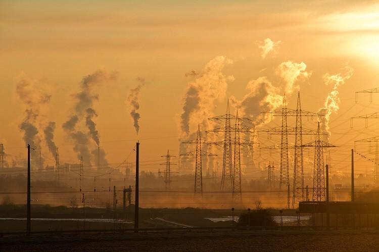 Czym jest zanieczyszczenie powietrza i jak się przed nim chronić.