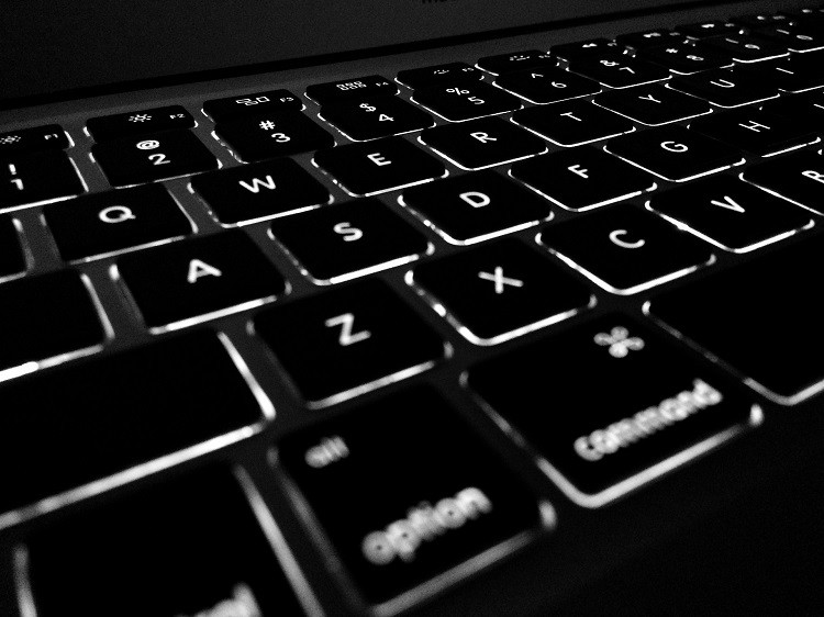 Laptopy Dell - najlepsze dla profesjonalistów