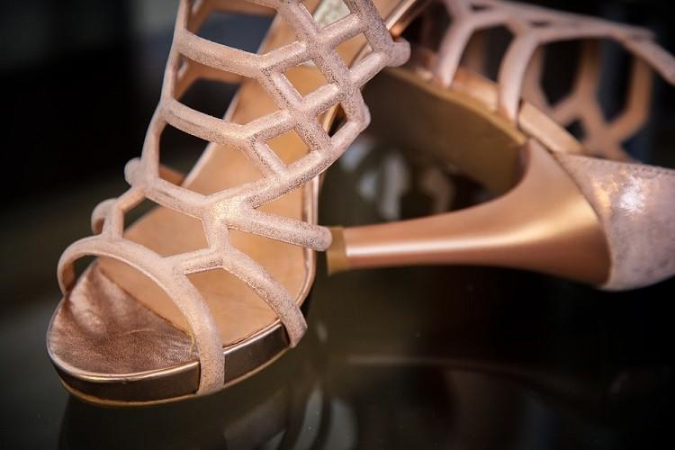 Sandały na obcasie - na co zwrócić uwagę przy zakupie?