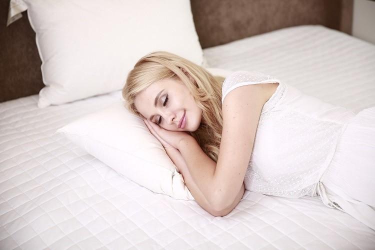 Suplementy na bezsenność – co brać, gdy nie możemy spać