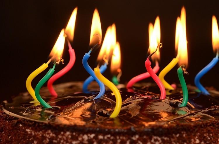 Surowce do produkcji świec – parafina i stearyna