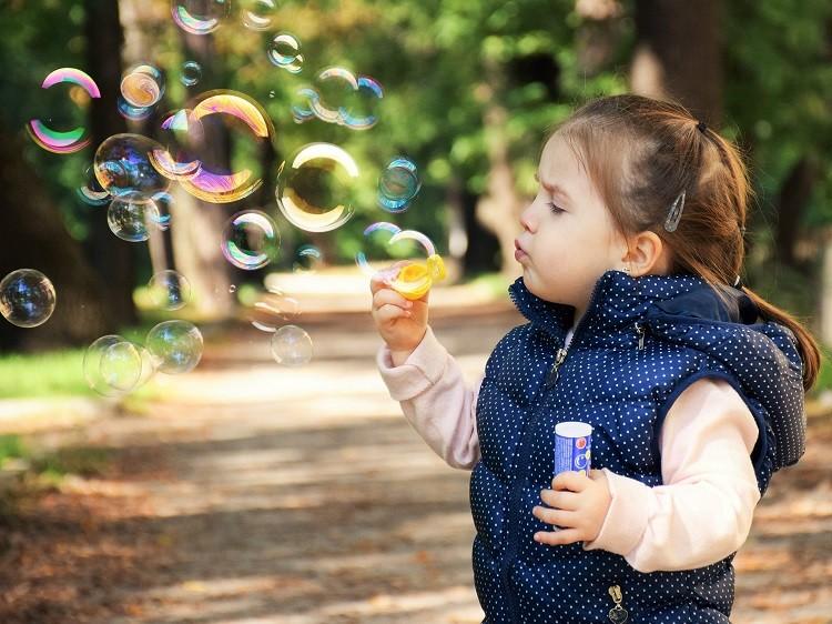 Sesje dziecięce – czy warto dać ją jako prezent?