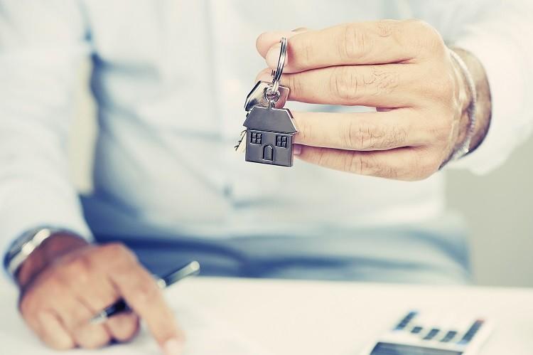 Szybka pożyczka na mieszkanie do wynajęcia. Skąd wziąć pieniądze na pierwszą…