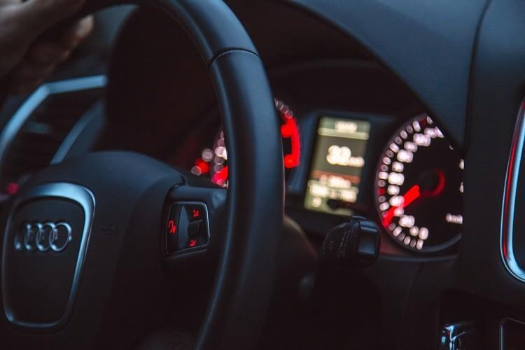 Kredyt samochodowy - kiedy warto go rozważyć?