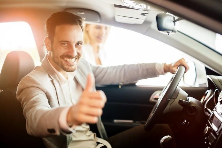 Wynajem samochodu – krótko czy długoterminowy?