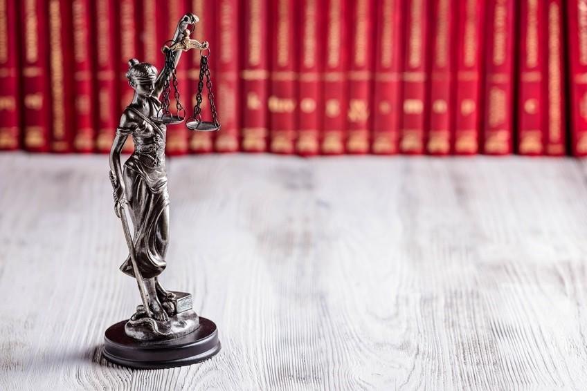 Jak wybrać kancelarię prawną?