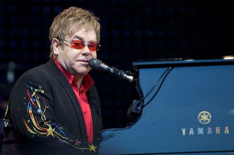 Elton John - legenda muzyki na koncercie w Polsce