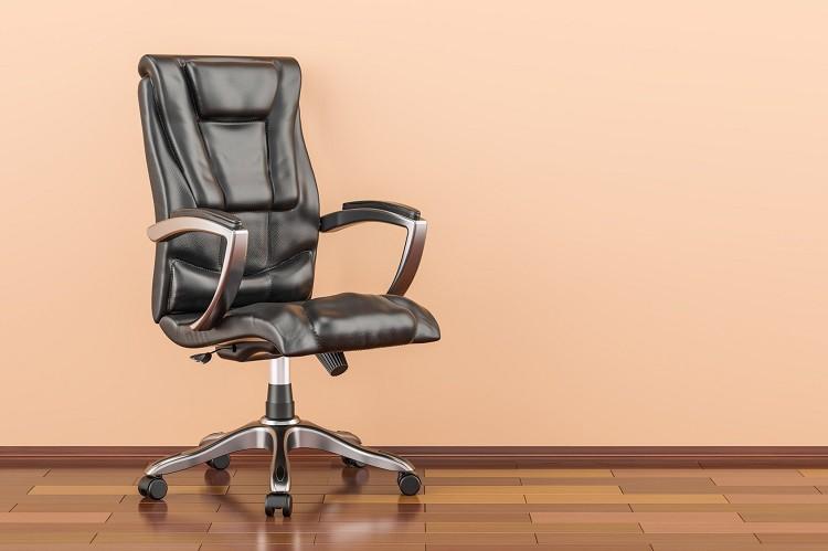 Wygodny fotel biurowy – jak wybrać najlepszy model?