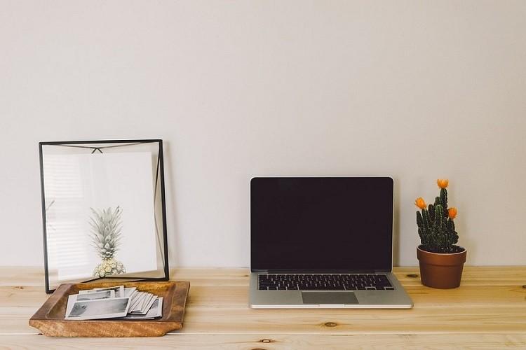 Sprzęty do domowego biura - w co warto zainwestować?