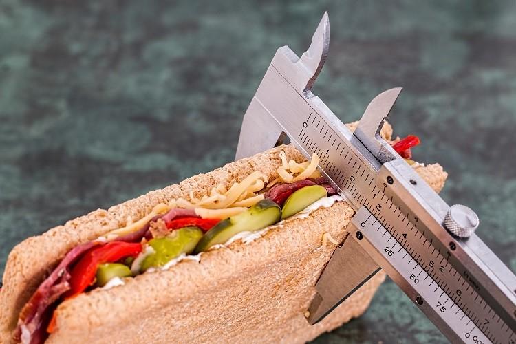 Dobre jedzenie nie musi być drogie. Jak jeść zdrowo i niedrogo?