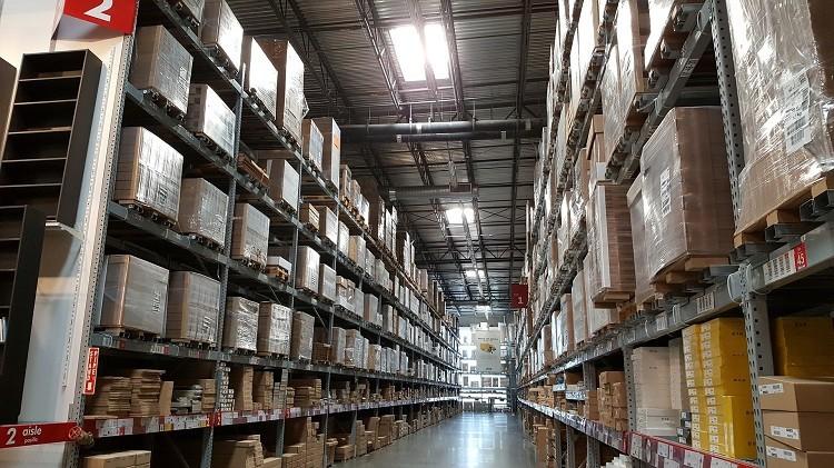 Dystrybucja surowców chemicznych – czy warto się nią zająć?