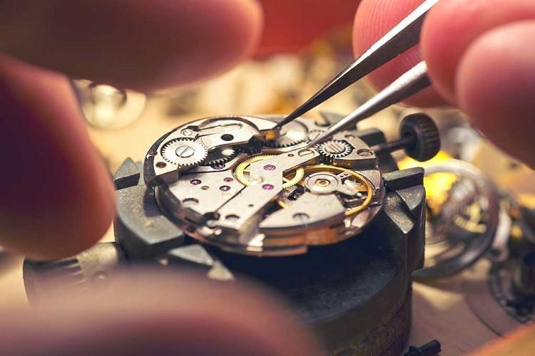 Czy warto kupić szwajcarski zegarek?