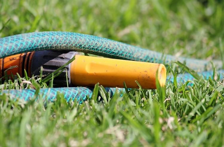 Sprawdzamy węże ogrodowe. Co decyduje o ich funkcjonalności