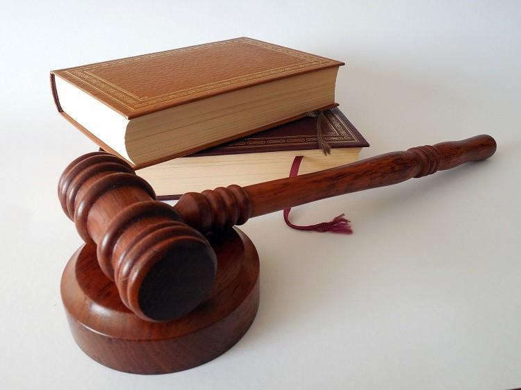 Prawnik pomoże rozwiązać twój problem. Jak znaleźć dobrego adwokata?