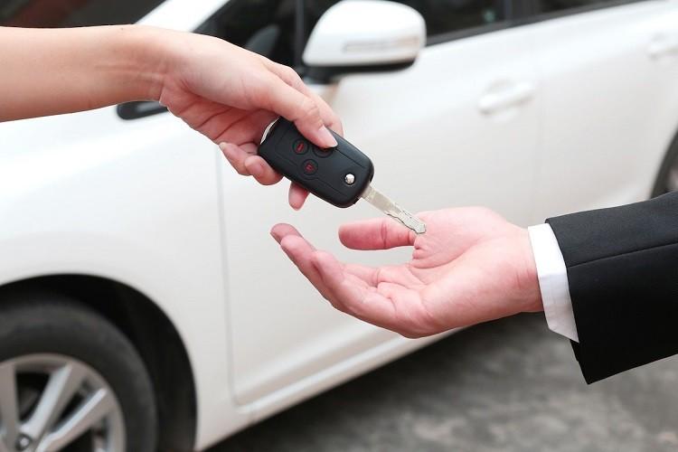 Na jaki okres czasu opłaca się wynająć samochód?