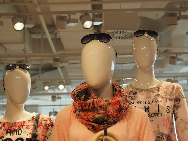 Manekiny wystawowe kluczem do skutecznej promocji butiku