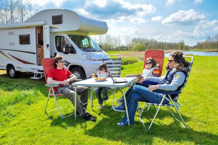 Wakacje w kamperze – o czym należy pamiętać?