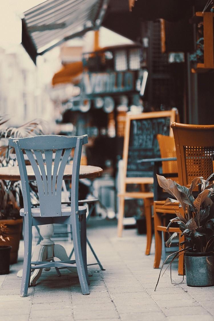 Odśwież wnętrze restauracji i przyciągnij gości