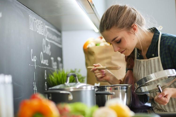 Czy warto zainwestować w naczynia ze stali nierdzewnej?