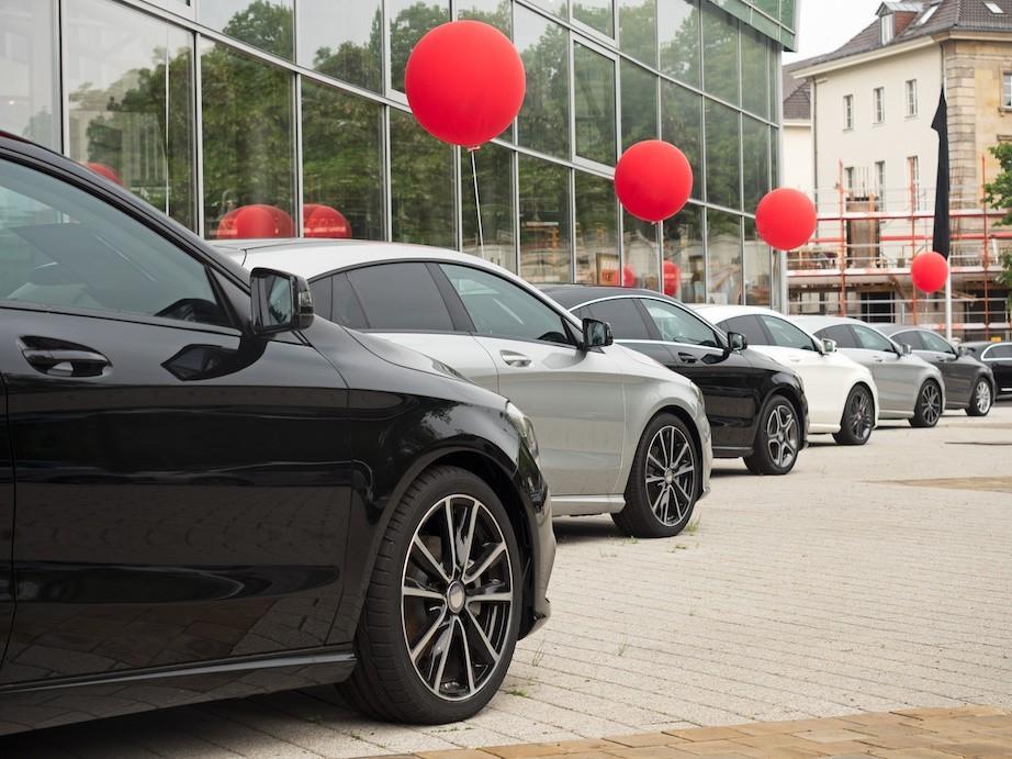 Dodatkowe ubezpieczenie wynajmowanego samochodu, czy warto w nie inwestować?