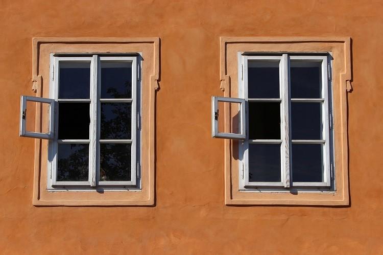 Twoja praca to częste wyjazdy? Zobacz, jak zabezpieczyć dom przed kradzieżą