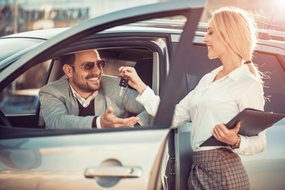 Kto nie wypożyczy auta z wypożyczalni?