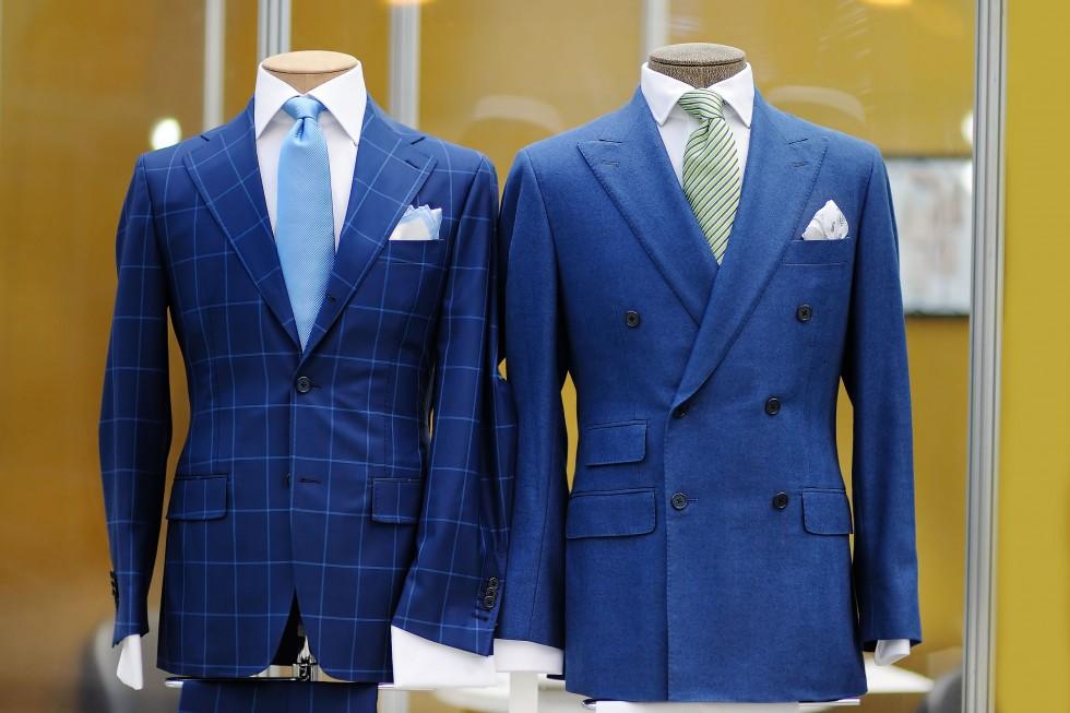 Manekiny sklepowe – aranżacja witryn sklepowych