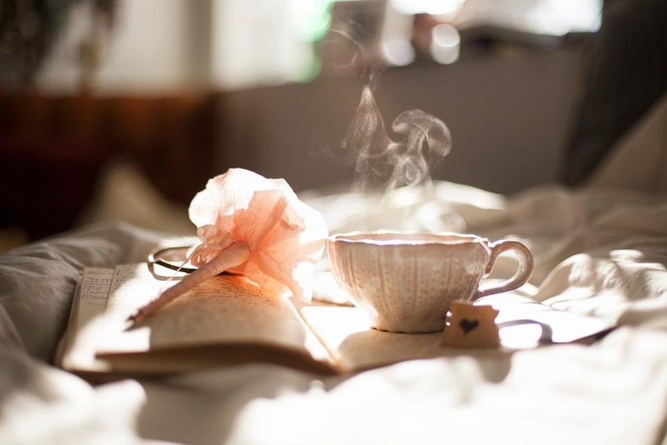 Skąd wywodzi się herbata?