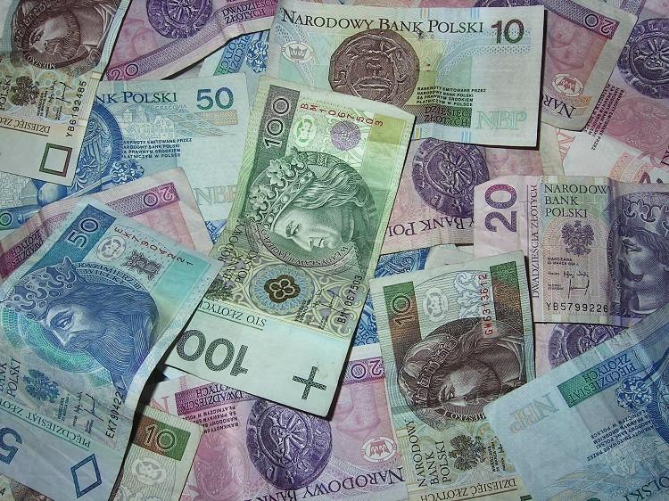 Kredyt 90 tys czy kredyt 60 tys. zł? 3 fakty o kredytach, które warto…
