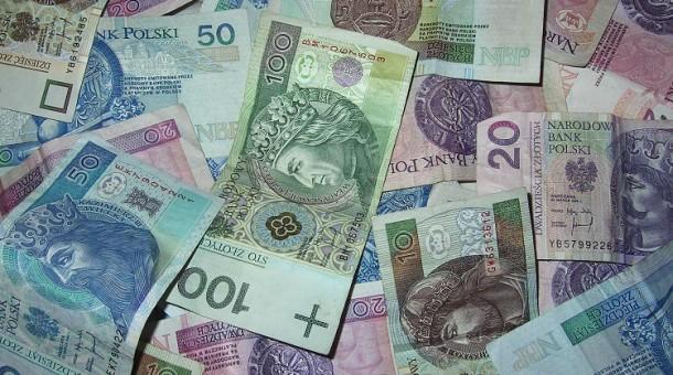 Kredyt 90 tys czy kredyt 60 tys. zł? 3 fakty o kredytach, które warto znać